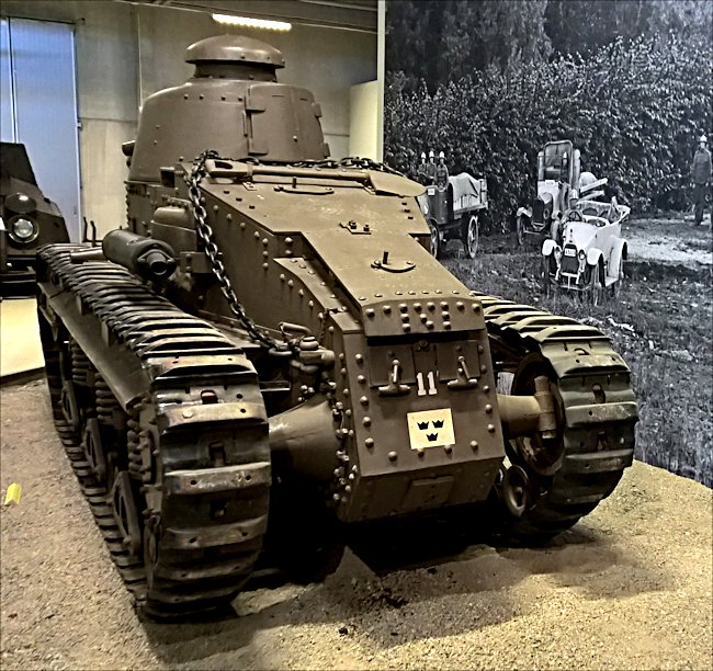 Swedish fm/28 tank Renault NC27 NC1 rear view
