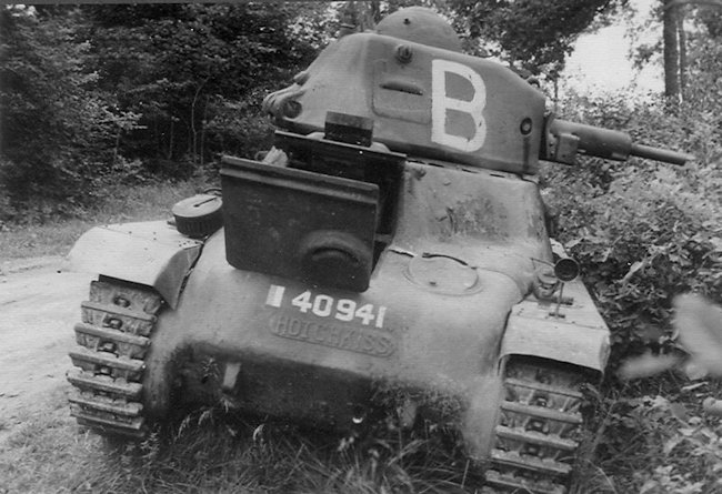Hotchkiss H39 tanks livery was normally drab compared with the pre WW2 H35 tanks.