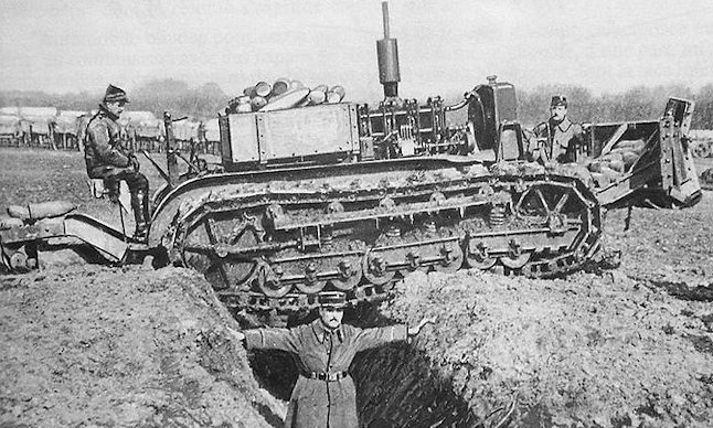 Holt type lengthened Caterpillar tested in trenches February 1916.