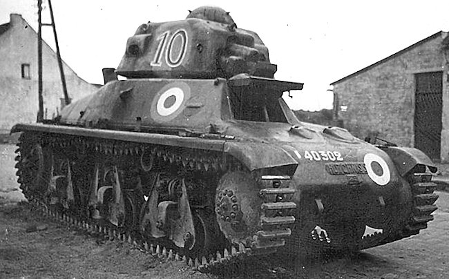 Hotchkiss H35 Light Tank No.10 chassis number 40302