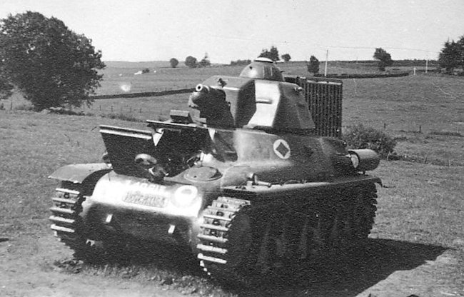 Hotchkiss H39 Light Tank chassis number 40813