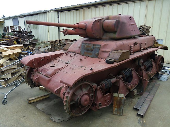 French Renault R35 WW2 Light Infantry Tank