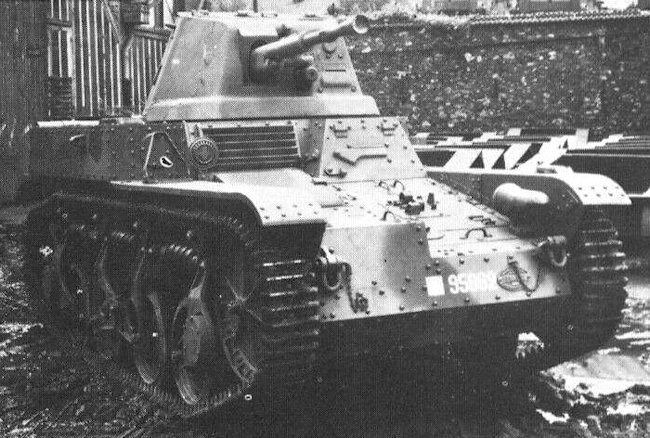 Renault AMR 35 ZT2 Tank