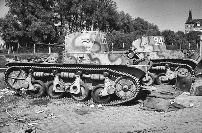 Renault AMR 35 tanks