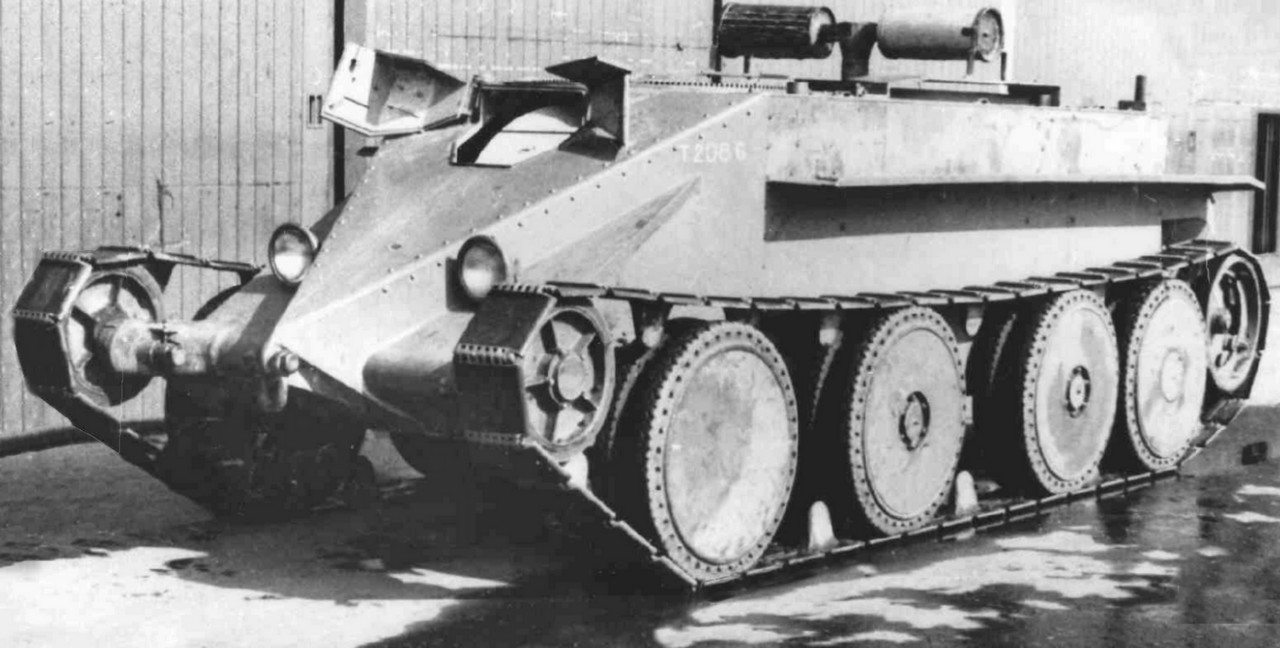 The A13E1 prototype. This was practically the Christie M1931 tank, as it was imported. It proved unsatisfactory and was changed.