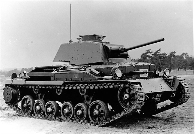 The A10E1 prototype after its front hull was modified and a machine-gun added. Notice the raised cupola, absent on the production vehicles