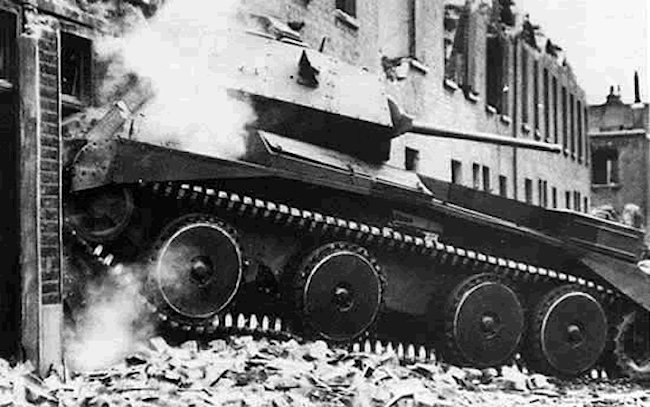 A13 Mk.II Cruiser Mk.IV tank field tests in bombed houses, 1940