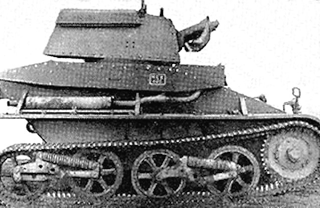 The Vickers Mk.IV light tanks did not have any return rollers to control the movement of the upper track.