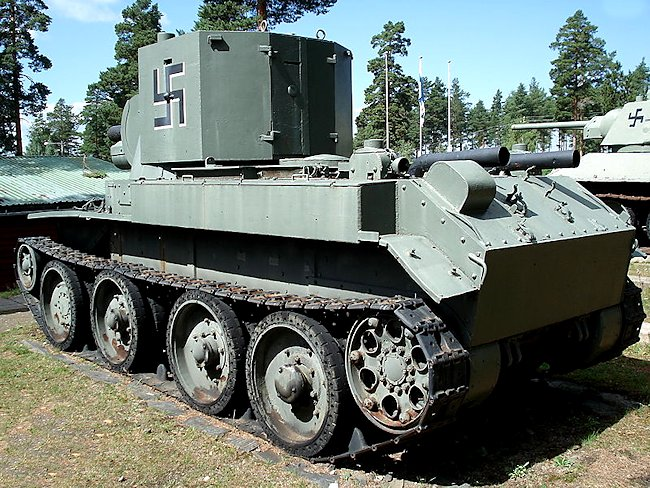 Rear and side view of the Finnish Army BT-42 tank