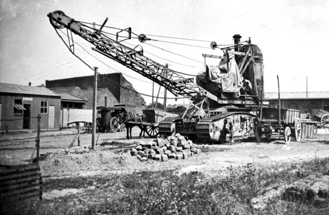 Gun carrier steam crane