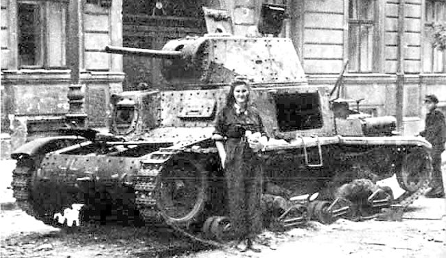 M14/41 laying abandoned in Warsaw - Credits: Wikimedia Commons