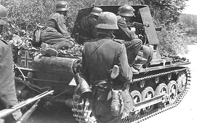 Only the front armoured shield protected the Panzerjäger I gun crew