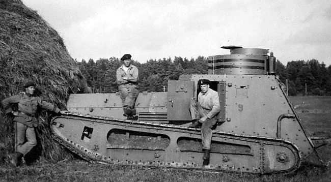 Early photograph of a Swedish Stridsvagen m/21 tank painted grey. It was No.9. Notice the original exhaust pipe position.