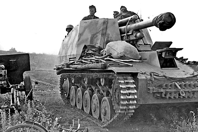 Wespe SPG of the 2nd Panzer Division during Operation Citadele