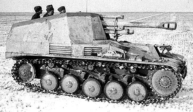 Leichte Feldhaubitze 18 auf Fahrgestell Panzerkampfwagen II Wespe