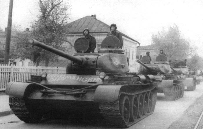 A rare photo of a column of T-44s. The lead tank has an Order of the Red Banner painted on the turret