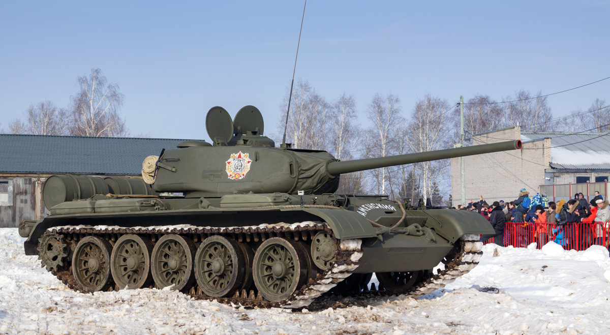 A restored T-44 at Kubinka Tank Museum. It has the Order of Nevsky painted on the turret