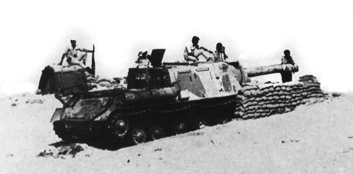 An Egyptian ISU-152 during the 1973 war, it is being used as self-propelled artillery, and has been given a desert camouflage.
