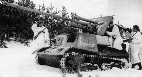 A ZiS-30 in winter camouflage.