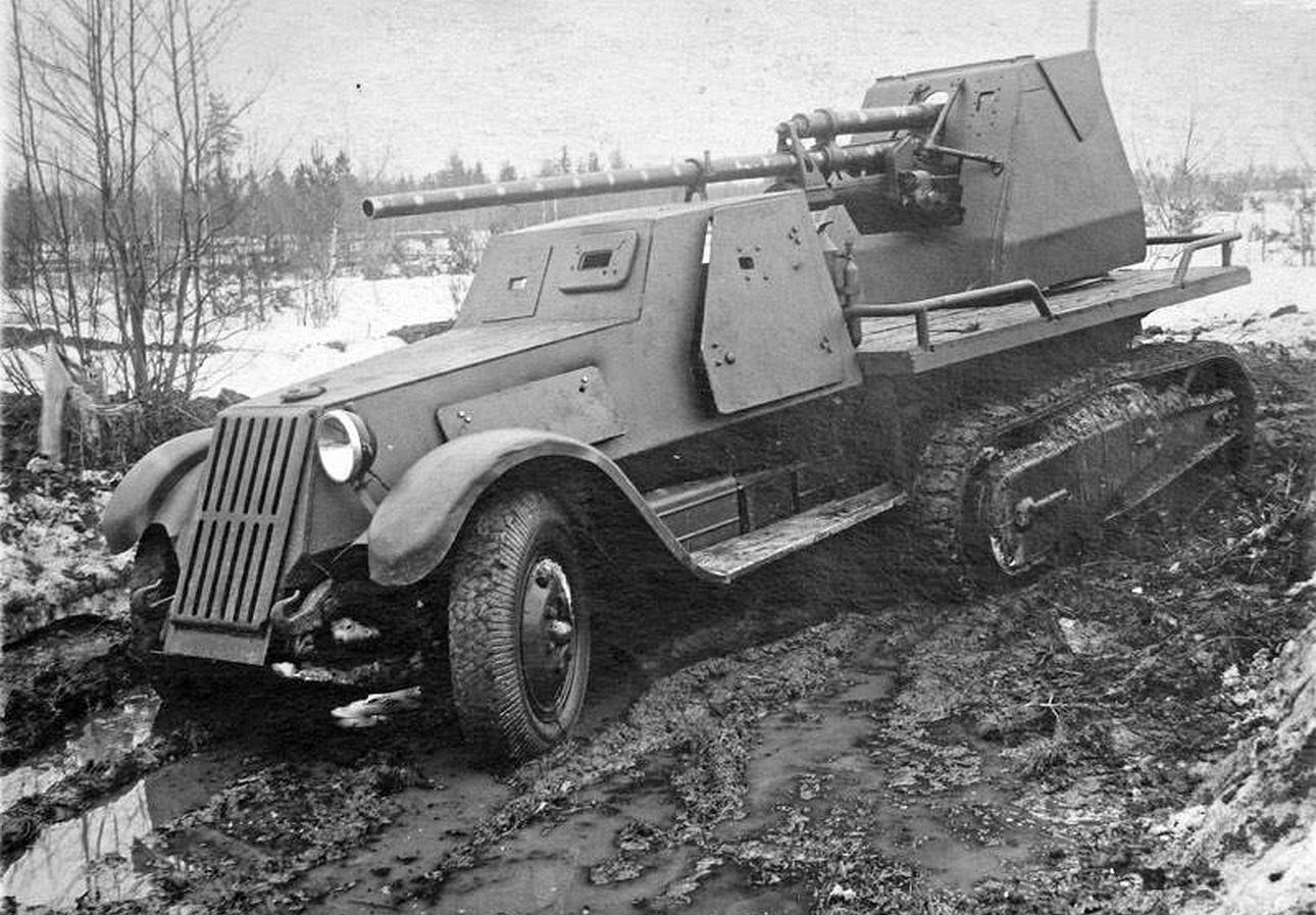 The VMS-41 prototype. It would have also featured a DT machine gun next to the driver, but it is not mounted in this photograph.