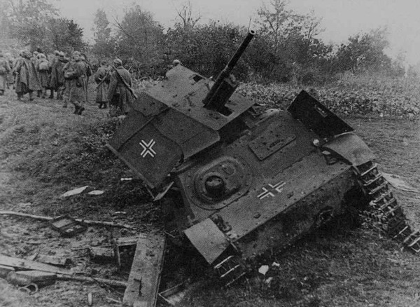 A German Komsomolets with a 3.7cm Pak 35/36 mounted on the turret