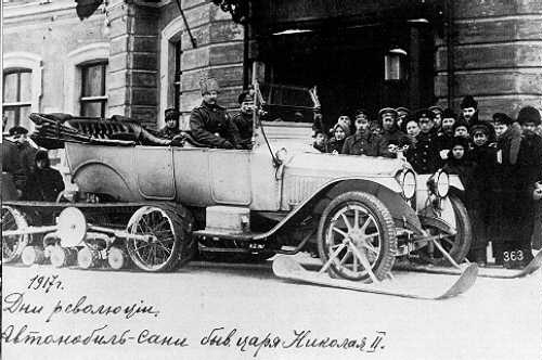 The Russo-Balt Type C24-30 Kégresse inaugurating the half-track system, here on display and tests at the Imperial garage of Tzarskoe Selo, 1913 - Credits Datzkombat.com