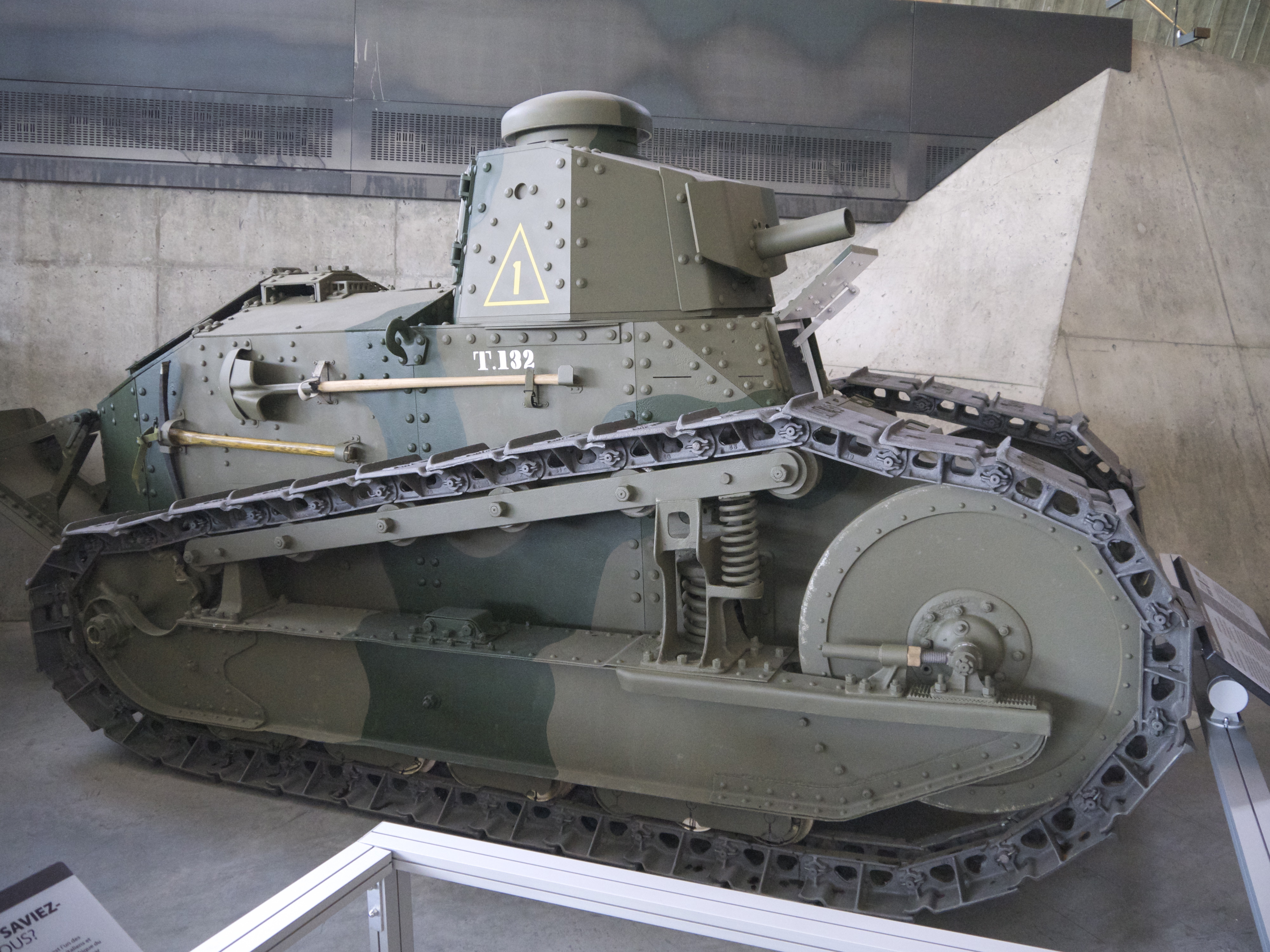 US Tanks And Armored Cars Of WWI - War museums in usa