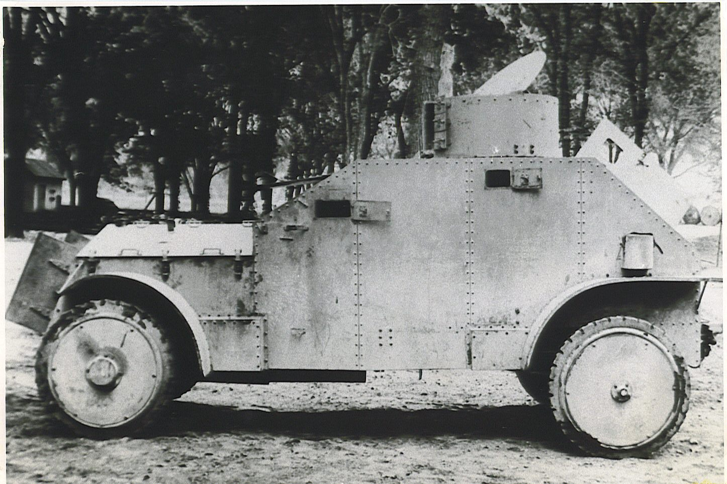 Probably the best known side profile of the prototype - Photo: Armored Car, A History of American Wheeled Combat Vehicles by R.P.Hunnicutt