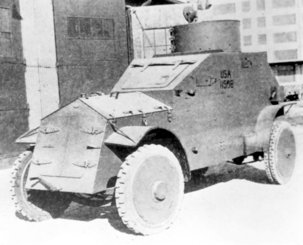 The White model 1917 with closed hatches - Photo: Armored Car, A History of American Wheeled Combat Vehicles by R.P.Hunnicutt