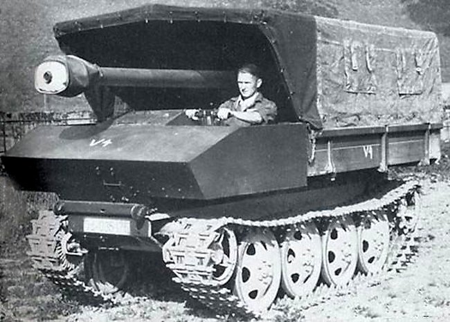 7.5cm Pak 40 auf Raupenschlepper Ost (RSO) with sides and canopy up