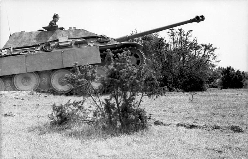 Jagdpanther driving up a slight hill