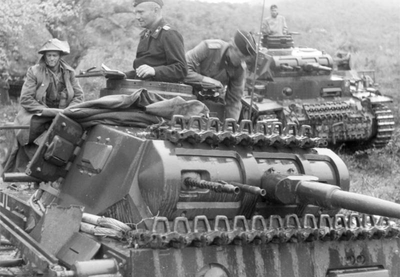 Early type Panzer III in Greece, May 1941.