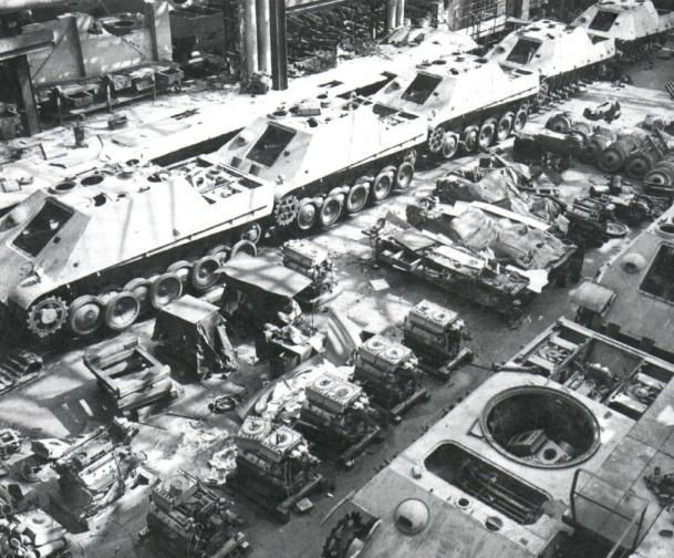 Jagdpanthers on the factory floor