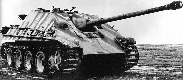 Front-left view of the Jagdpanther