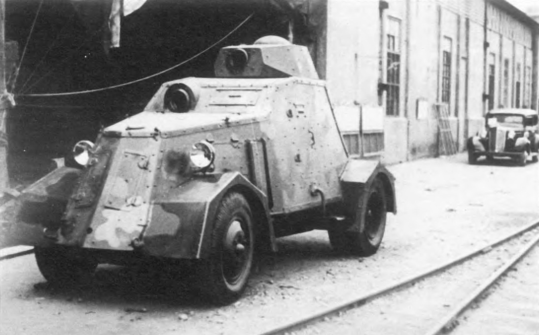 Camouflaged UNL-35, unknown date. Possibly outside the UNL factories waiting to be armed.