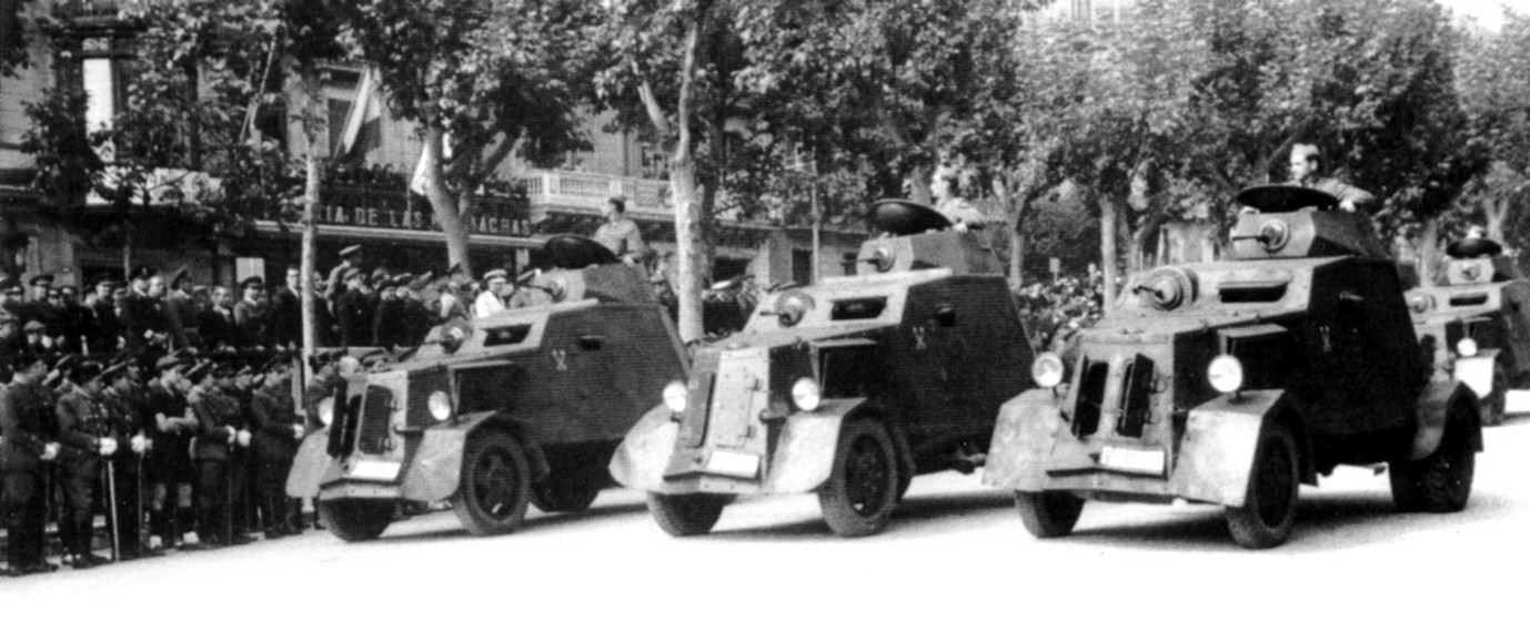 Several UNL-35s on parade in Barcelona