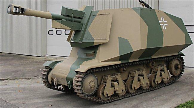 Association de Sauvegarde du Patrimoine Historique Militaire. has rebuilt a 10.5cm leFH 18 auf Geschutzwagen 38H (f) Self propelled Gun