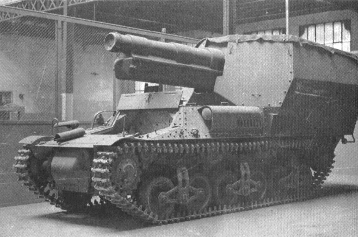 A Baukommando Becker 15cm s.FH 13/1 (Sf) auf GW Lorraine Schlepper(f) (Sd.Kfz.135/1)