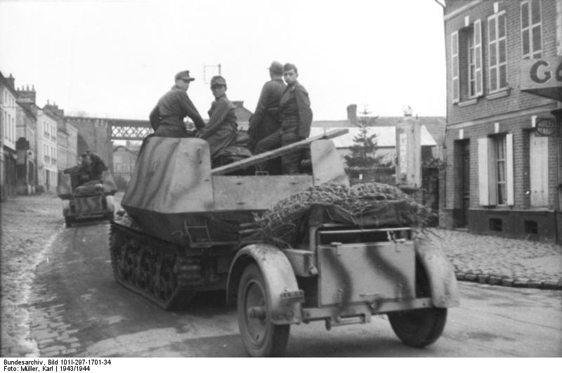 Between Belgium and France, 1943, with its supply trailer - Credits: Bundesarchiv.