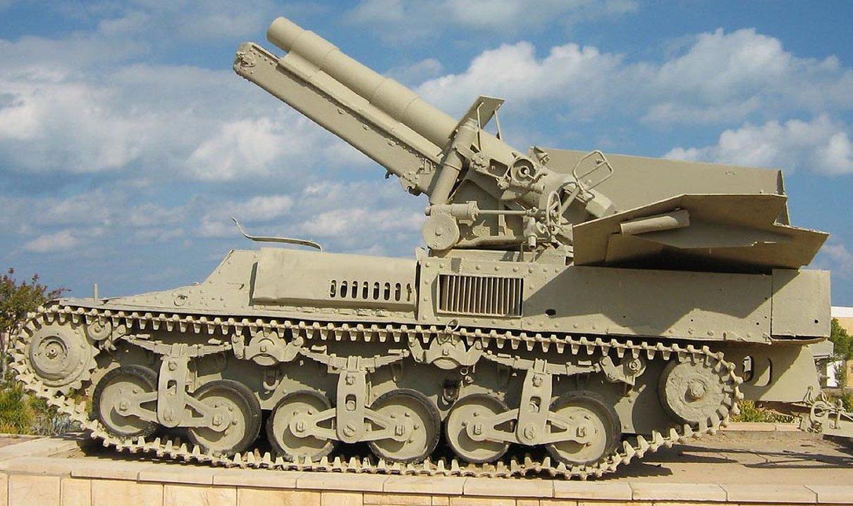 l Alamein War Museum, Alkett built15cm s.FH 13/1 (Sf) auf GW Lorraine Schlepper(f) SPG