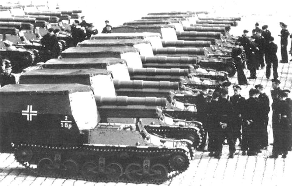 Versailles, 1943, 15cm s.FH 13/1 (Sf) auf GW Lorraine Schlepper(f) SPGs