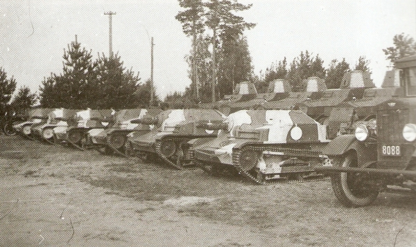 TKS tankettes and wz.34 armored cars