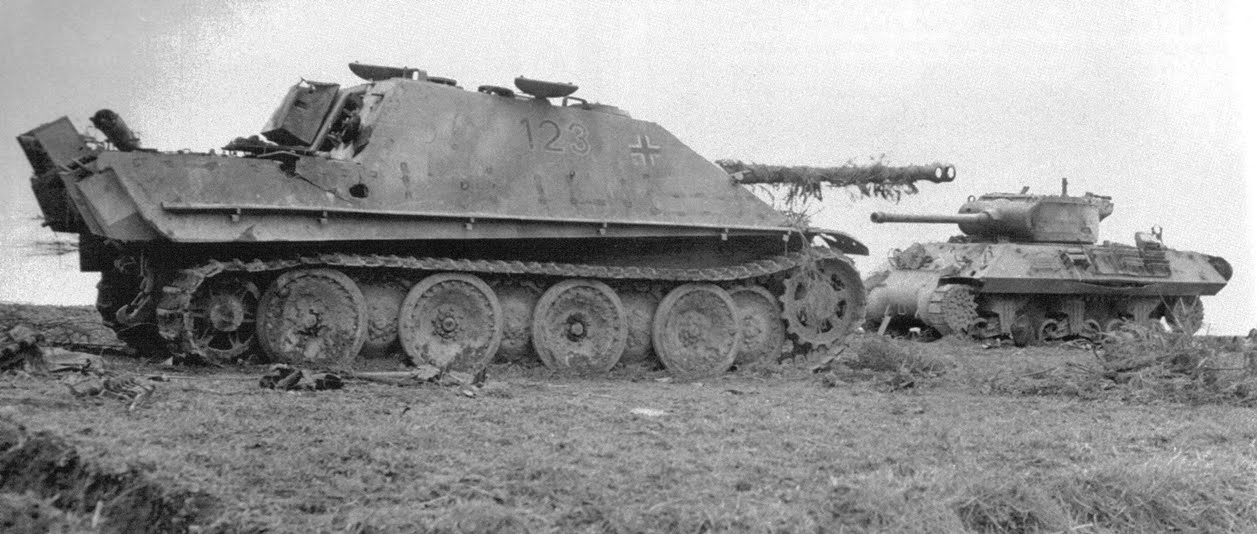 A Jagdpanther and an M36 Jackson destroyed in Germany, 1945
