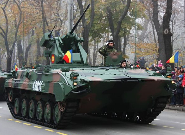 MLI-84_IFV_on_parade