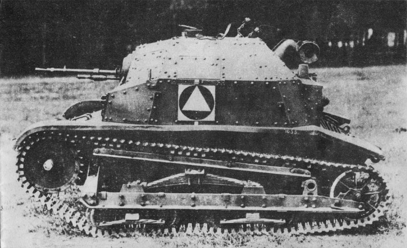 The improved TKS tankette. The different hull shape and MG mount are immediately noticeable.