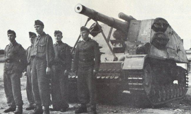 Hummel 15cm Artillery SPG