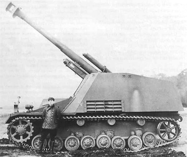Hummel 15cm SPG prototype with large muzzle brake.
