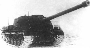 Photograph of an ISU-122-3. Its muzzle brake is very distinguishable, compared to the ISU-122-1, which featured a similar length gun, but no muzzle brake