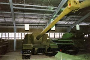 The ISU-130 on display at Kubinka