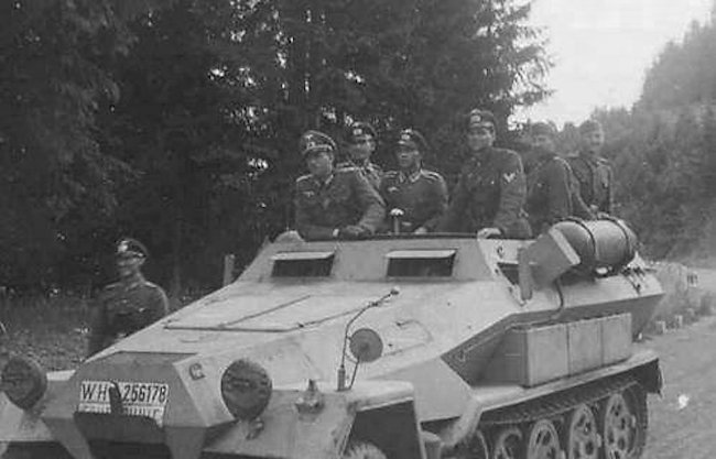 Schützenpanzerwagen Sd.Kfz.251/1 Ausf.B Stadtgas